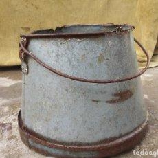 Antigüedades: CUBO METÁLICO LECHERO DE HOJALATA.. Lote 73590651