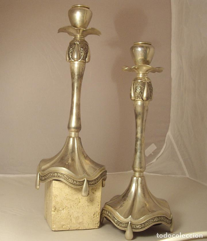 PAREJA DE CANDELABROS EN ALPACA (Antigüedades - Iluminación - Candelabros Antiguos)