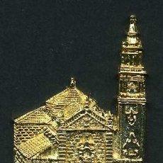 Antigüedades: MEDALLA INSIGNIA ORO FACHADA DE LA IGLESIA PAROQUIA SANTA ANA - ALGODONALES CADIZ - Nº40. Lote 73596371