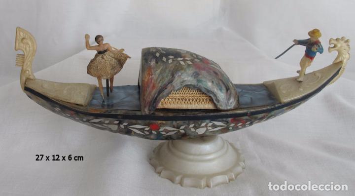 GONDOLA ANTIGUA VENECIA BAQUELITA MULTICOLOR CAJA JOYERO (Antigüedades - Hogar y Decoración - Figuras Antiguas)