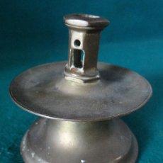 Antigüedades: ANTIGUO CANDELERO CANDELABRO NEOGOTICO DE BRONCE. S.XIX-XX.. Lote 73703419