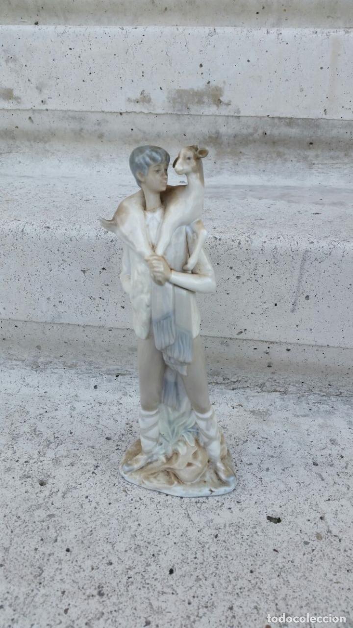 FIGURA PASTORCILLO DE PORCELANA LLADRO-NAO (Antigüedades - Hogar y Decoración - Figuras Antiguas)