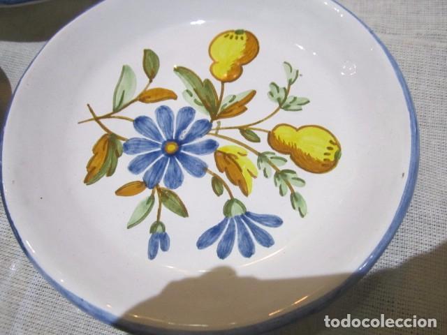 Antigüedades: 3 Platitos en cerámica de Alcora. 13 cms. diámetro. - Foto 3 - 73767799