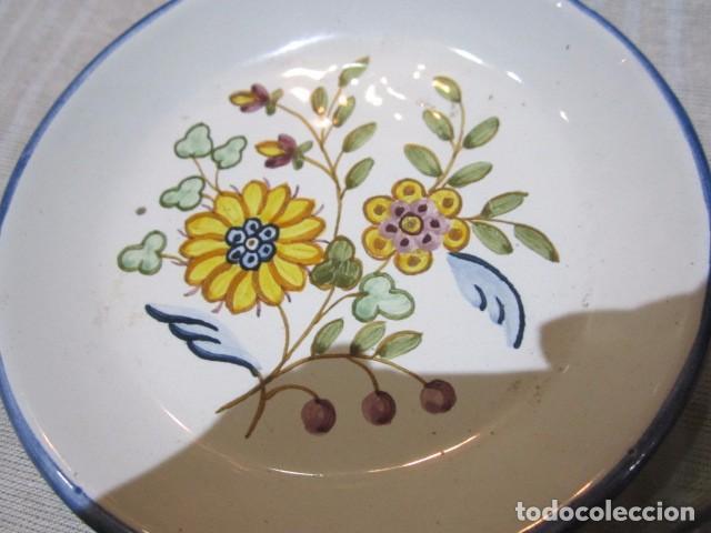 Antigüedades: 3 Platitos en cerámica de Alcora. 13 cms. diámetro. - Foto 4 - 73767799