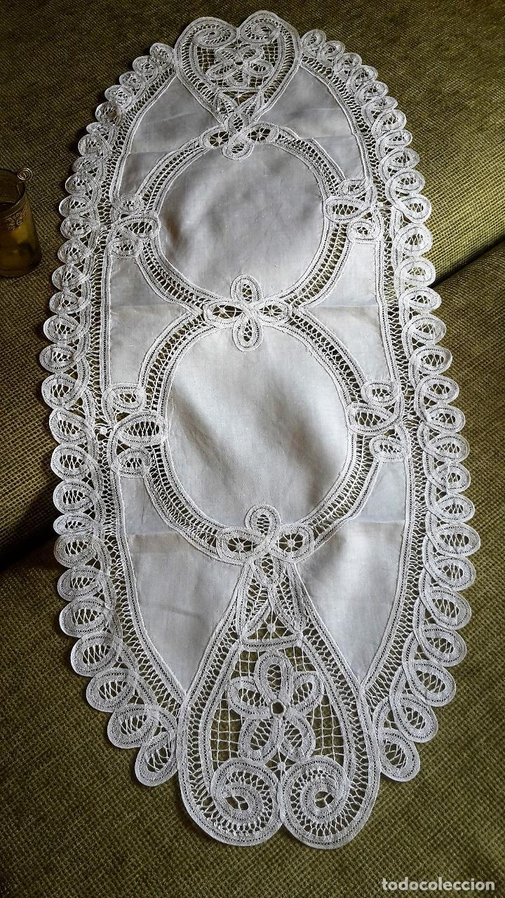 Antigüedades: Encajes de Belgica,precioso camino de mesa.Blanco 75 x 30 cm. nuevo - Foto 5 - 73770619