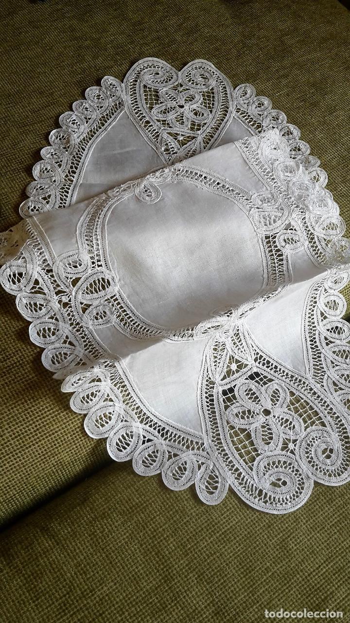 Antigüedades: Encajes de Belgica,precioso camino de mesa.Blanco 75 x 30 cm. nuevo - Foto 6 - 73770619