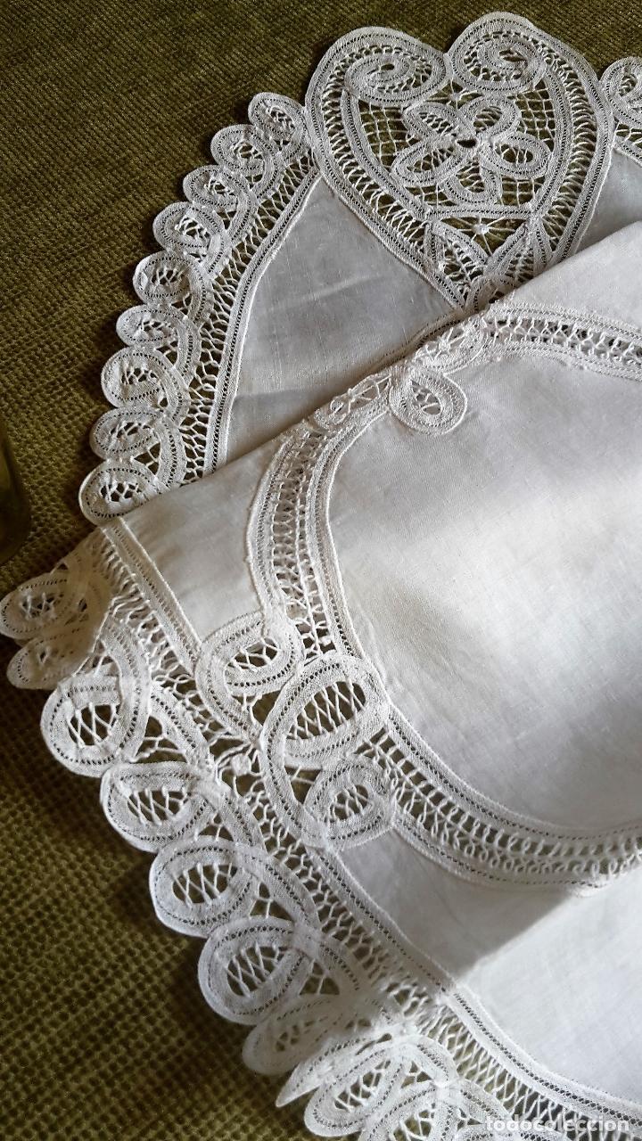 Antigüedades: Encajes de Belgica,precioso camino de mesa.Blanco 75 x 30 cm. nuevo - Foto 7 - 73770619
