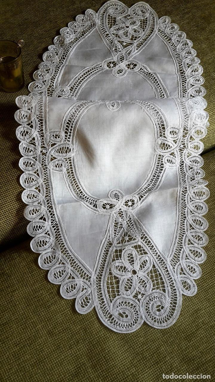 Antigüedades: Encajes de Belgica,precioso camino de mesa.Blanco 75 x 30 cm. nuevo - Foto 10 - 73770619