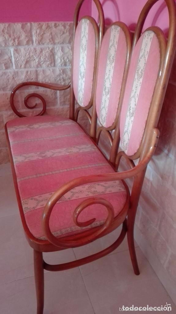 Antigüedades: Antiguo sillon descalzador doble .madera curvada . - Foto 2 - 73778875