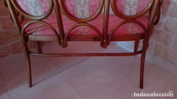 Antigüedades: Antiguo sillon descalzador doble .madera curvada . - Foto 9 - 73778875