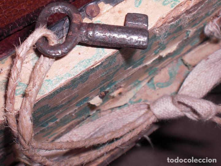 Antigüedades: Antiguo baul con llave - Foto 3 - 73822639