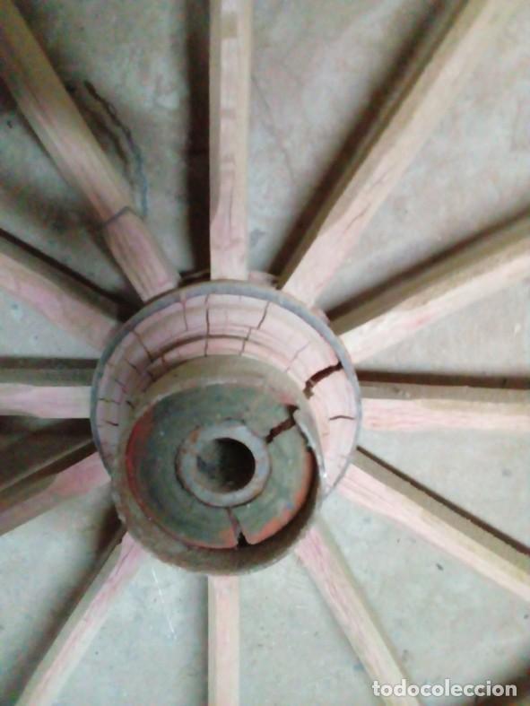 Antigüedades: 1 RUEDA DE MADERA - Foto 3 - 73830275