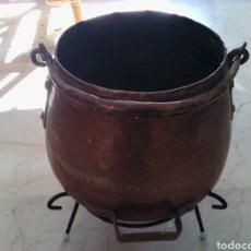 Antigüedades: OLLA O CALDERA DE COBRE CON ASA. 23 CM ALTURA. 18 CM DIÁMETRO DE BOCA.. Lote 73864562