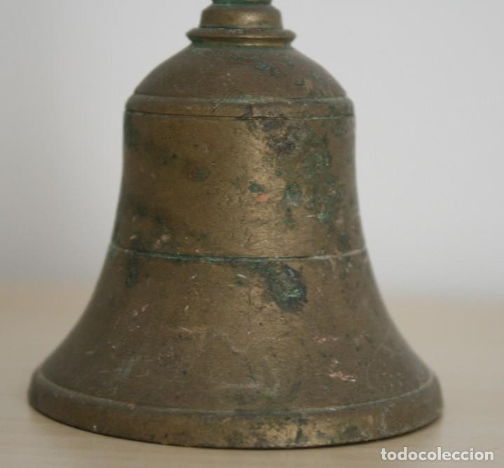 Antigüedades: ANTIGUA CAMPANA DE BRONCE ALTURA 13 CM DIAMETRO INFERIOR 6 CM PESO 164 GRAMOS - Foto 3 - 73950443
