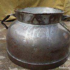 Antiquités: TARRO DE ORDEÑO DE HOJALATA.. Lote 73969011
