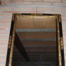 Antigüedades: ANTIGUO ESPEJO, CON BONITAS TALLAS POLICROMADAS.. Lote 73992219