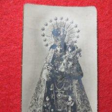 Antigüedades: VIRGEN DE LOS DESAMPARADOS PATRONA DE VALENCIA ESTAMPA RELIGIOSA REBORDE DORADO.N 19. Lote 168186724
