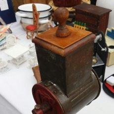 Antigüedades: MOLINILLO DE MESA PAN Y FRUTOS SECOS ELMA. Lote 74268367