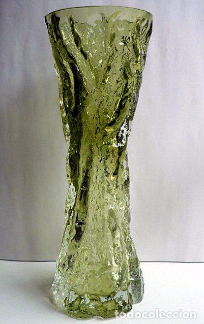 FLORERO DE CRISTAL INGLES WHITEFRIARS DISEÑO DE GEOFFREY BAXTER AÑOS 70 COLOR VERDE (Antigüedades - Cristal y Vidrio - Inglés)