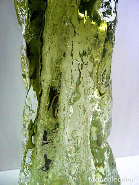 Antigüedades: FLORERO DE CRISTAL INGLES WHITEFRIARS DISEÑO DE GEOFFREY BAXTER AÑOS 70 COLOR VERDE - Foto 4 - 74280047