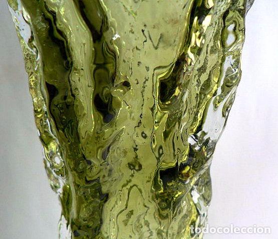 Antigüedades: FLORERO DE CRISTAL INGLES WHITEFRIARS DISEÑO DE GEOFFREY BAXTER AÑOS 70 COLOR VERDE - Foto 5 - 74280047