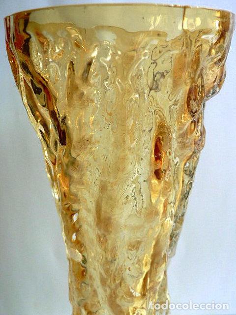 Antigüedades: FLORERO DE CRISTAL INGLES WHITEFRIARS DISEÑO DE GEOFFREY BAXTER AÑOS 70 COLOR AMBAR - Foto 4 - 74280643