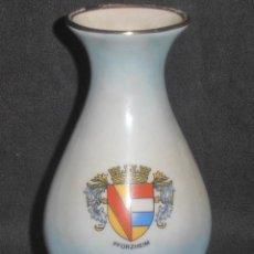 Antigüedades: BUCARO,, JARRON, CON ESCUDO PFORZHEIM, DE PORCELANA DE BAVARIA,. Lote 74286515