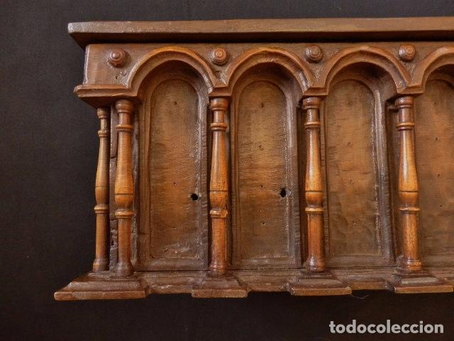 Antigüedades: Arqueta española del siglo XVII en madera tallada. - Foto 5 - 74345235