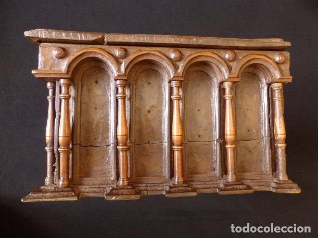 Antigüedades: Arqueta española del siglo XVII en madera tallada. - Foto 8 - 74345235