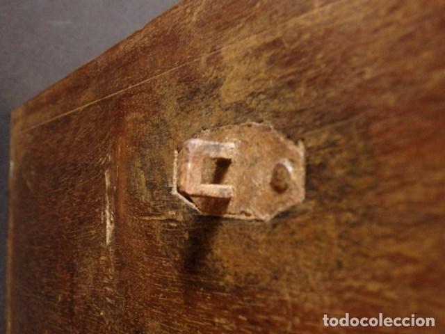 Antigüedades: Arqueta española del siglo XVII en madera tallada. - Foto 15 - 74345235