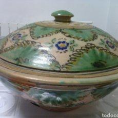 Antigüedades: ANTIGUA SOPERA DE CERÁMICA DE PUENTE DEL ARZOBISPO. 24 CM DE DIÁMETRO.. Lote 74347658