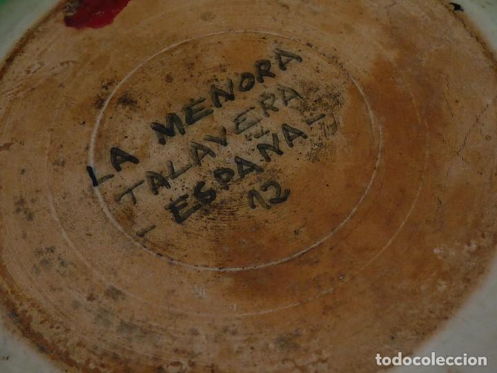 Antigüedades: Precioso plato Talavera La Menora cerámica decorativa tema vegetal vintage - Foto 4 - 74488639