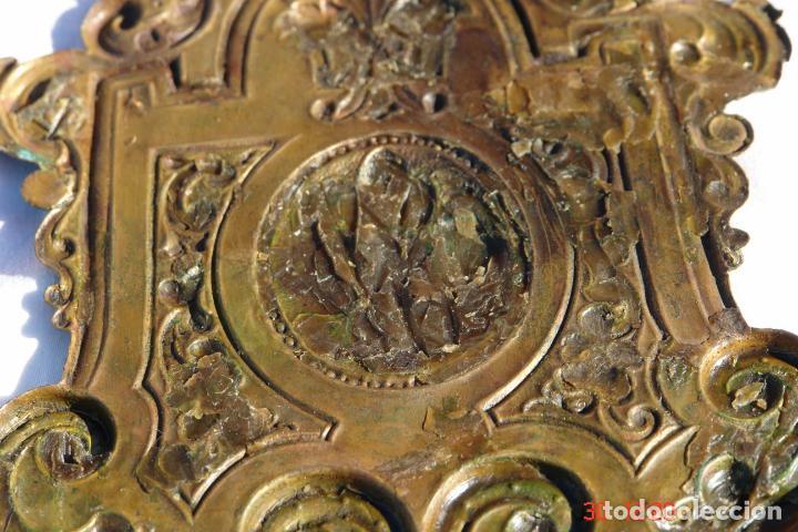 Antigüedades: viejo plafon de ORFEBRERIA SINCELADO A MANO EN LATON DORADO - Foto 3 - 74620583