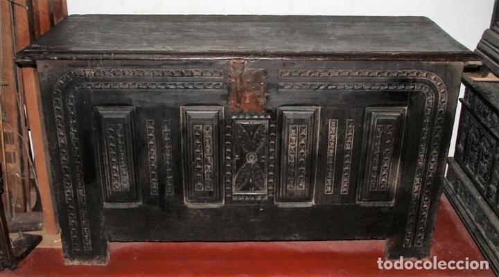 Antigüedades: GRAN ARCÓN. NORTE DE ESPAÑA. MADERA DE ROBLE. BARROCO. SIGLO XVII-XVIII. - Foto 3 - 74673931