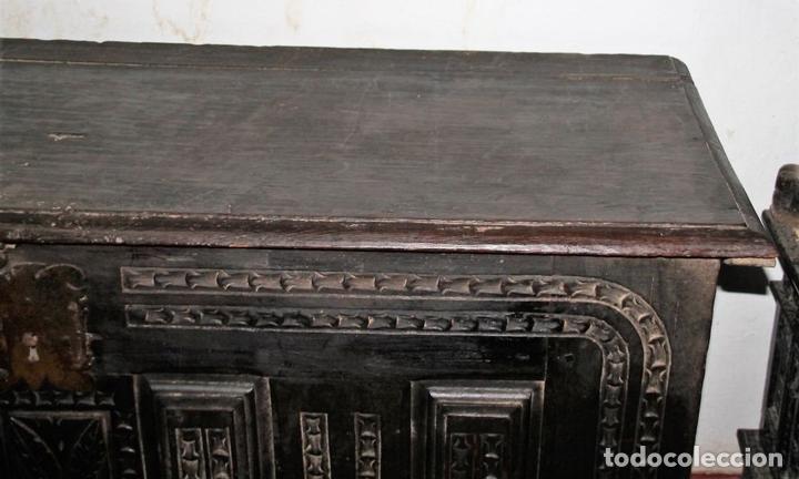 Antigüedades: GRAN ARCÓN. NORTE DE ESPAÑA. MADERA DE ROBLE. BARROCO. SIGLO XVII-XVIII. - Foto 9 - 74673931