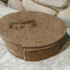 Antigüedades: ANTIGUA MERENDERA DE CORCHO. ARTE PASTORIL. AÑOS 20. MUY DECORATIVA. Lote 74750739