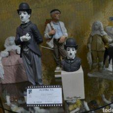 Antigüedades: FIGURA CHARLES CHAPLIN Y BUSTO DE PORCELANA ALGORA CON CERTIFICADO. Lote 74763446
