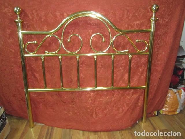 cama con bonito cabecero metálico dorado. 135 x - Comprar Camas ...