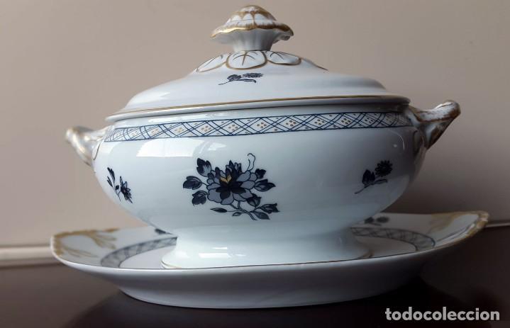 SOPERA CON PLATO. VISTA ALEGRE. PORTUGAL . (1947-1968) (Antigüedades - Porcelanas y Cerámicas - Otras)