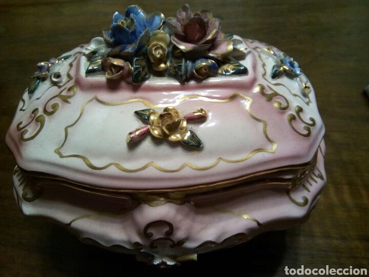 * ANTIGUO JOYERO, BOMBONERA... (Antigüedades - Porcelanas y Cerámicas - Manises)