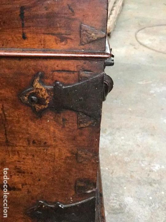 Antigüedades: Arca de nogal del SXVII - Foto 16 - 75068883