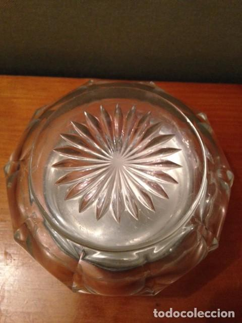 Antigüedades: Antigua cajita de cristal tallado con tapa plateada - Foto 3 - 75325195