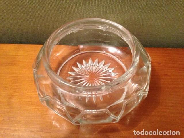 Antigüedades: Antigua cajita de cristal tallado con tapa plateada - Foto 4 - 75325195