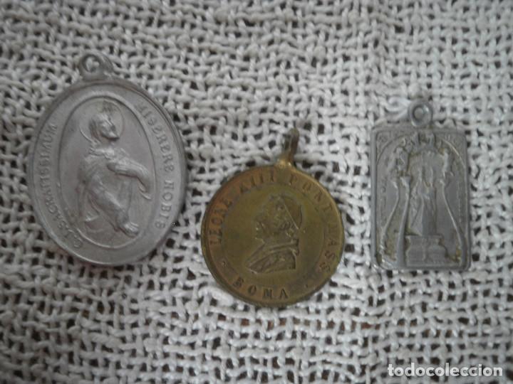 TRES MEDALLAS (Antigüedades - Religiosas - Medallas Antiguas)