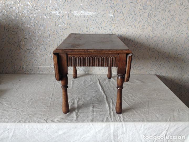 Antigüedades: ANTIGUA MESA ALAS CENTRO MADERA DE ROBLE. CON CAJÓN.PATAS TORNEADAS - Foto 2 - 75425287