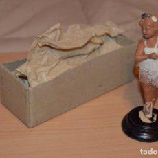 Antigüedades: ANTIGUA FIGURA DE BARRO - CREACIONES ARTÍSTICAS PUCHE VALENCIA - BAILARINA CON TUTU - AÑOS 50. Lote 75535471