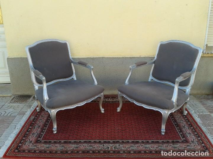 Dos sillones plateados estilo luis xv sill n a comprar for Sillones antiguos