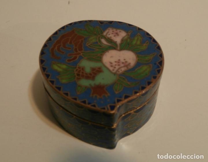 CAJITA CHINA FORMA DE CORAZON CLOISONNE (Antigüedades - Porcelanas y Cerámicas - China)