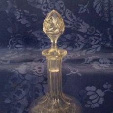 Antigüedades: BOTELLA DE CRISTAL TALLADO DE LICOR, PRINCIPIOS S XX. Lote 75684106