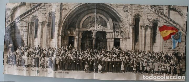 FOTOGRAFIA NUMERADA CON MEDALLA: PEREGRINACIÓN DIOCESANA MALAGA LOURDES 1958 VER FOTOGRAFIAS - VIRON (Antigüedades - Religiosas - Medallas Antiguas)